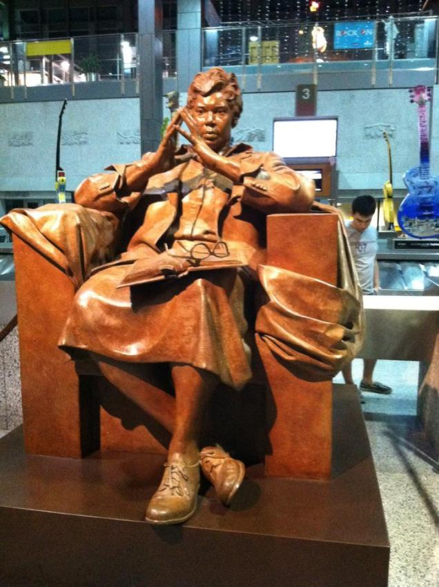 Barbara-Jordan-statue-at-airport-photo-by-Joshua-Tang-October-2012